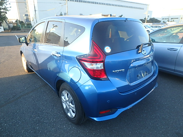 2018 Blue Nissan Note