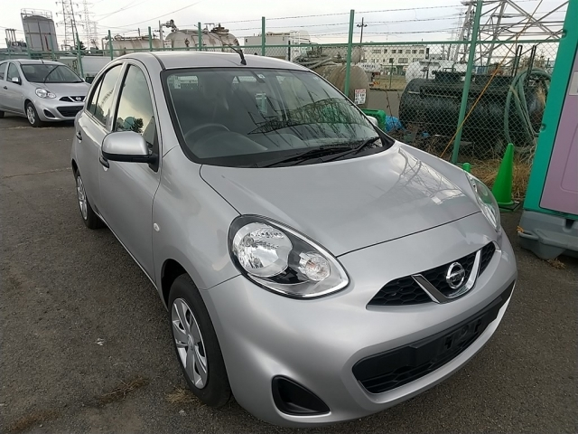 2018 Silver Nissan March
